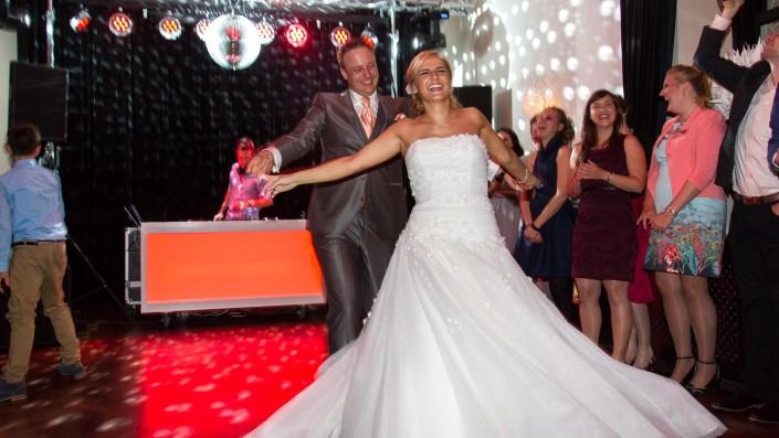 DJ op bruiloft trouwlocatie te werve