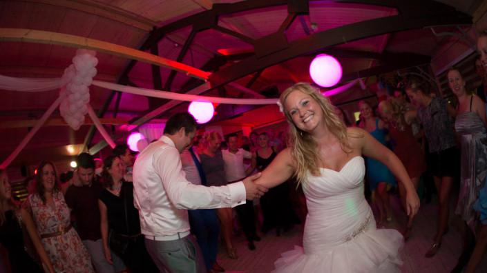 Bruiloft met DJ bij SunSeaBar Wijk aan Zee