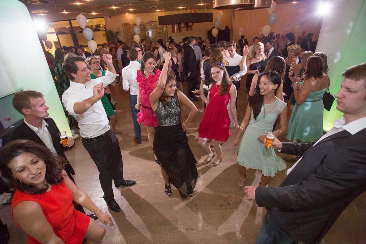 Marokkaanse Bruiloft Met Muziek En Dans Organiseren
